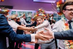197 tanczacy goscie uai