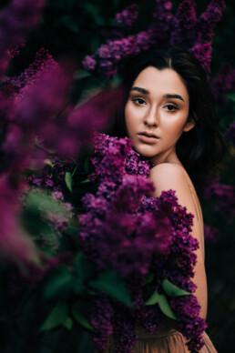 2 sesja portretowa w kwiatach bzu 1 uai