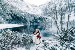 35 zimowa sesja slubna w gorach 8 uai