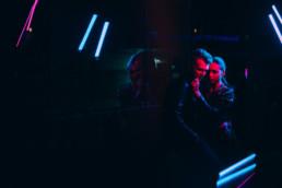 4 sesja narzeczenska retro electro 13 uai