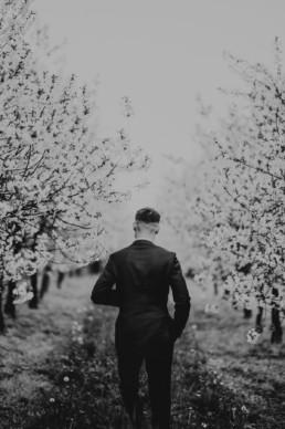 9 wiosenna sesja slubna w sadzie 2 uai